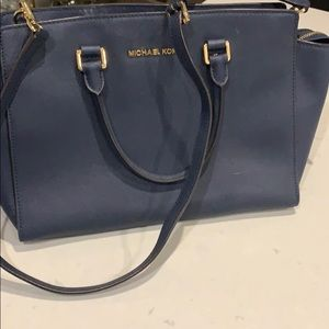 Micheal Kors Saddle Bag in Navy